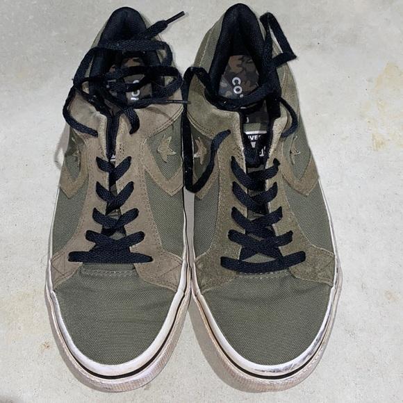 🦋 Army Green Converse Lo-Tops